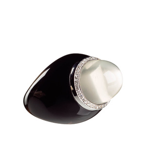 moonstone-ring-moon-black-agate